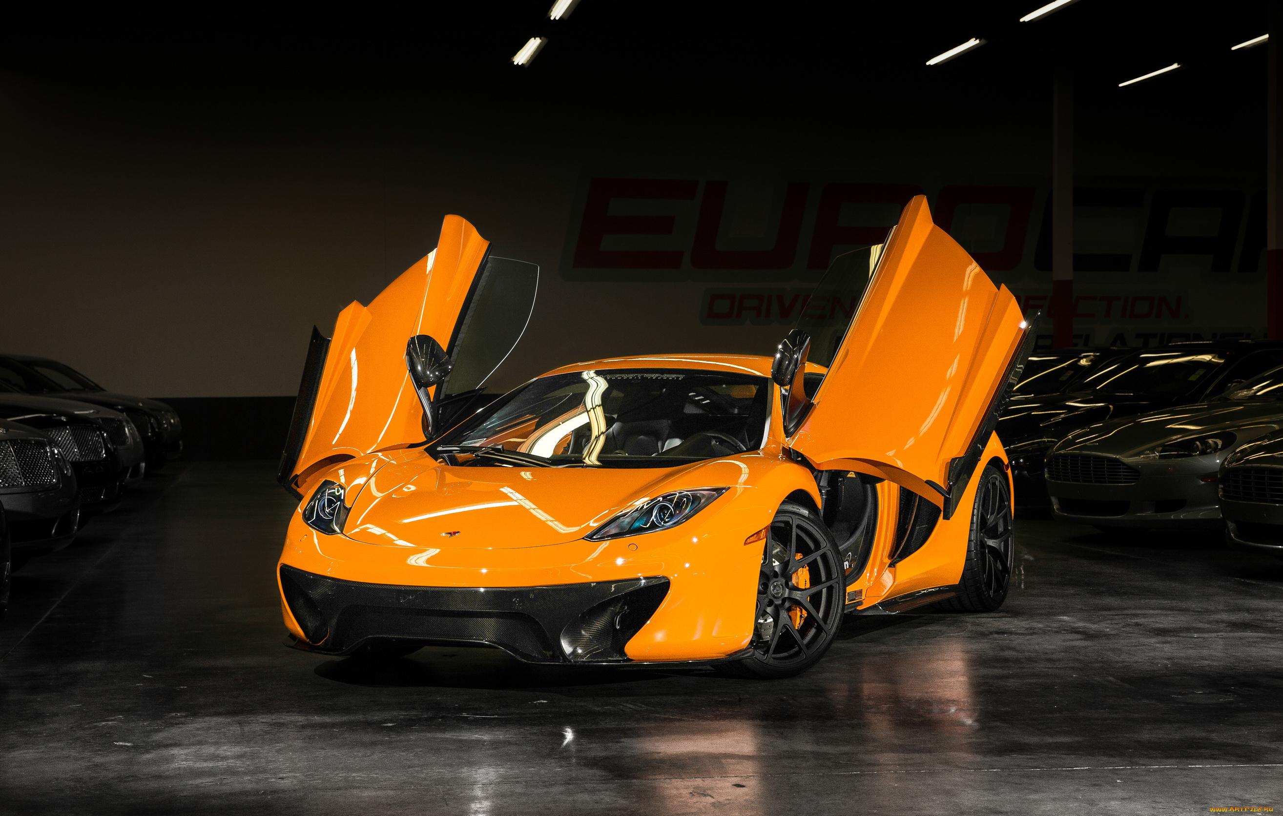 оранжевый автомобиль mclaren без смс
