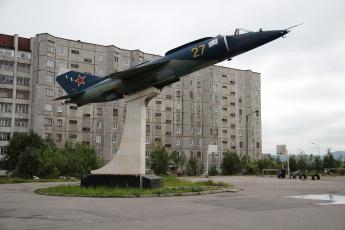 обоя авиация, памятник, самолёту, здание