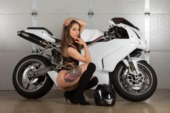 обоя мотоциклы, мото с девушкой, байк, тату, шлем, девушка