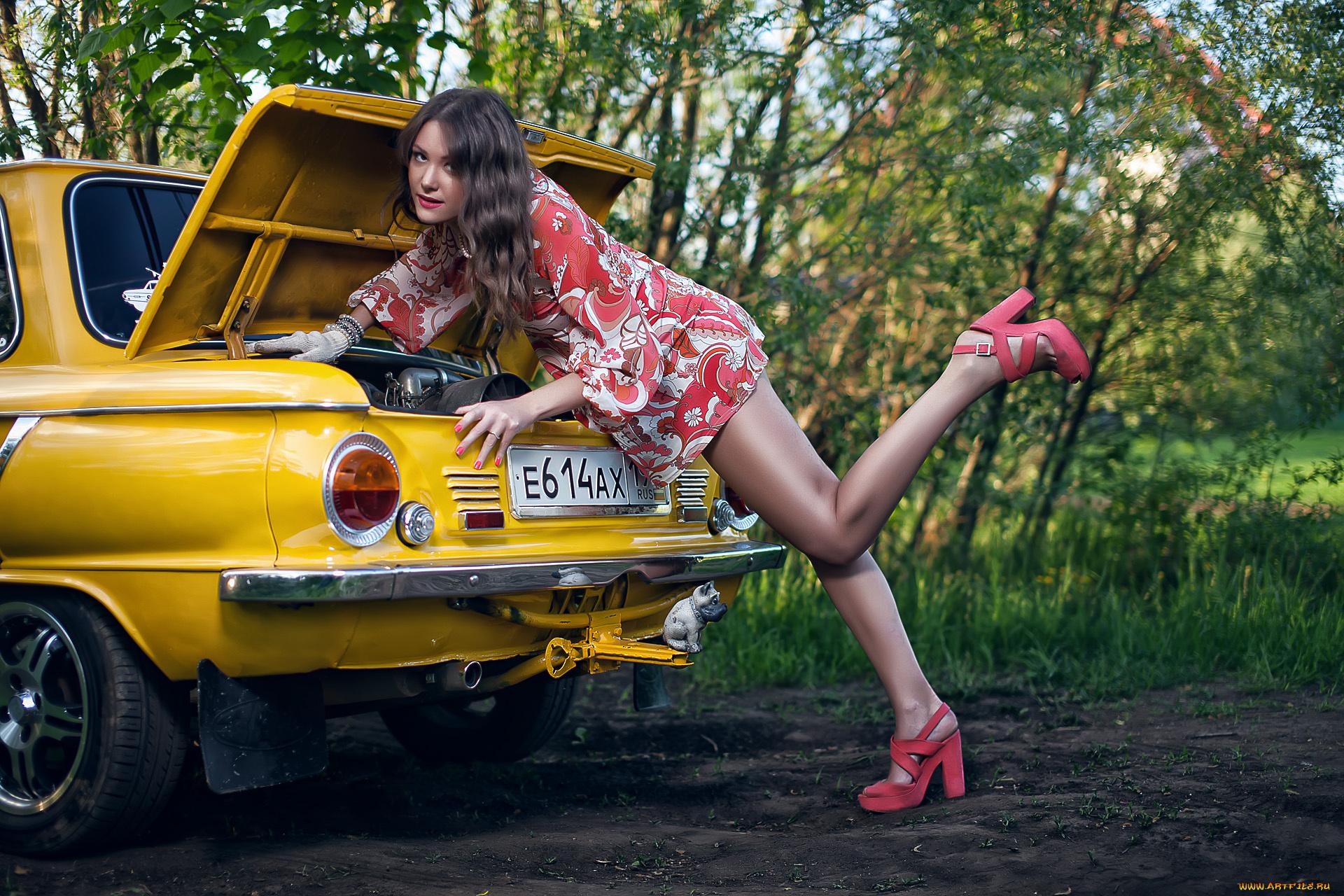 Прикольные картинки машины с девушками, днем рождения