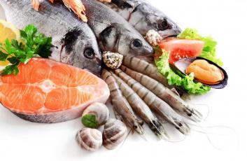 обоя еда, рыба,  морепродукты,  суши,  роллы, улитки, зелень, креветки, мидии