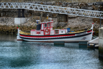 Картинка корабли баркасы+ +буксиры рыболов баркас пристань