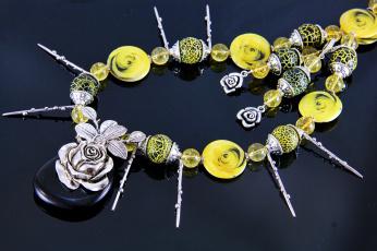 Картинка разное украшения +аксессуары +веера бусы серьги бижутерия фон украшение ожерелье