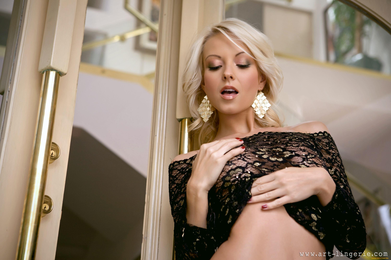 Close-up shots of masturbating milf Jana Cova expose babe's big tits № 264713 бесплатно