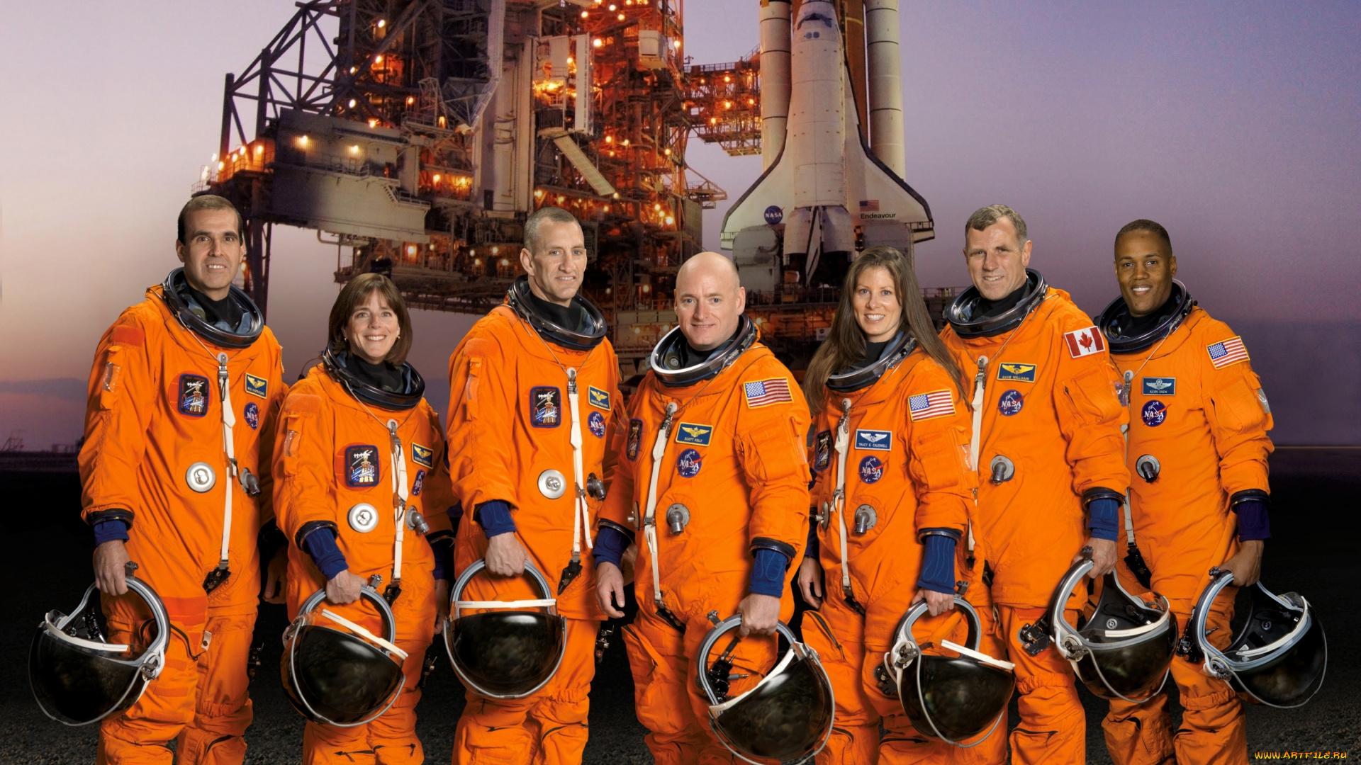 Астронавты экипажей американских шаттлов фото