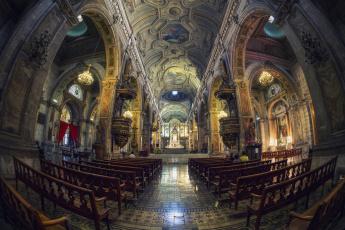 Картинка catedral+de+santiago интерьер убранство +роспись+храма хрпм