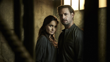 обоя colony, кино фильмы, colony , сериал, sarah, wayne, callies, josh, holloway