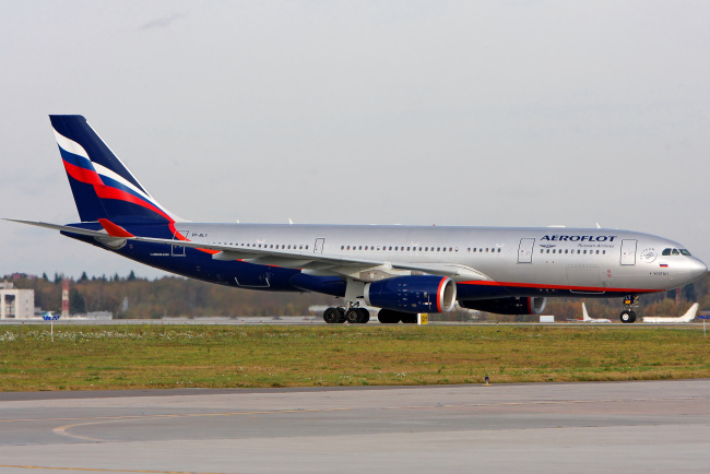 Обои картинки фото самолёт, авиация, пассажирские самолёты, аэродром, аэрофлот