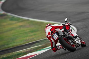 Картинка спорт мотоспорт скорость гонки