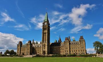 обоя города, оттава, канада, шпиль, часы, башня, замок, лужайка