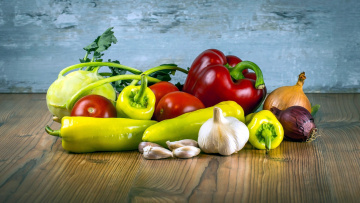 обоя еда, овощи, помидоры, чеснок, кольраби, лук, перец