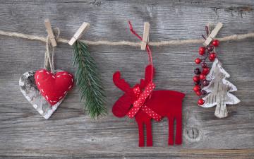 обоя праздничные, фигурки, ягоды, сердечки, веревка, лось, ёлка, прищепки