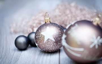 обоя праздничные, шары, шарики, украшения, стол, мишура