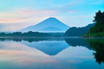 Картинка природа реки озера гора дымка вода
