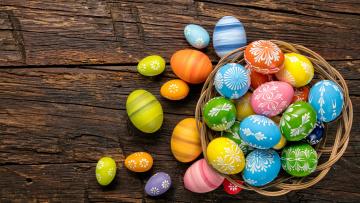 Картинка праздничные пасха holiday spring eggs яйца крашеные happy wood colorful easter
