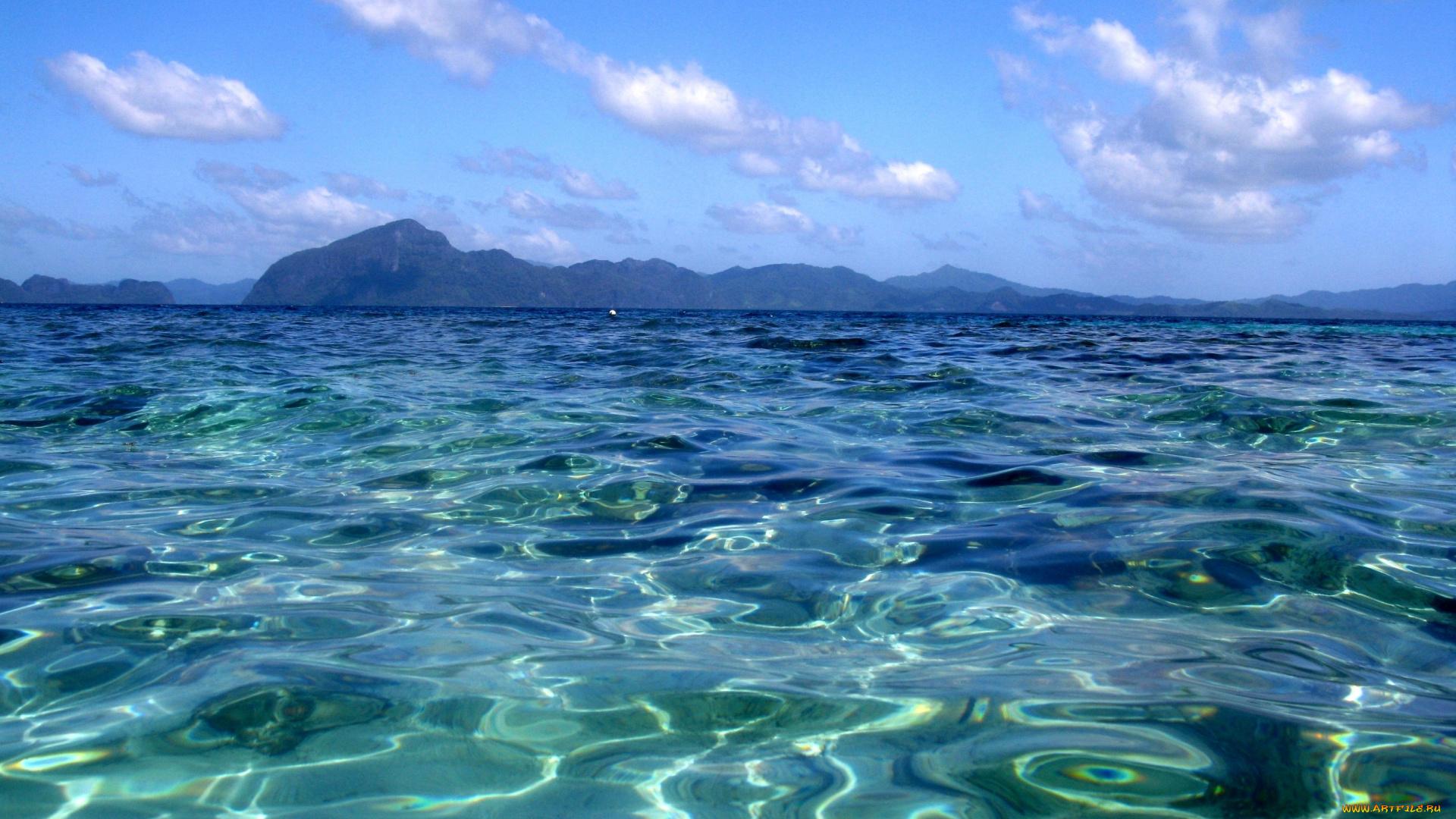 Горы у океана  № 1670899 бесплатно