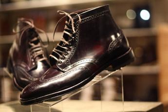 обоя разное, одежда,  обувь,  текстиль,  экипировка, модельные, мужские, туфли
