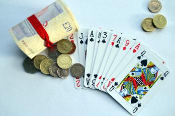 обоя разное, настольные игры,  азартные игры, фунты, монеты, карты, банкноты
