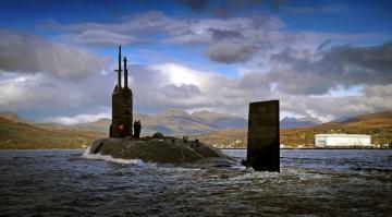 Картинка hms+triumph корабли подводные+лодки субмарина