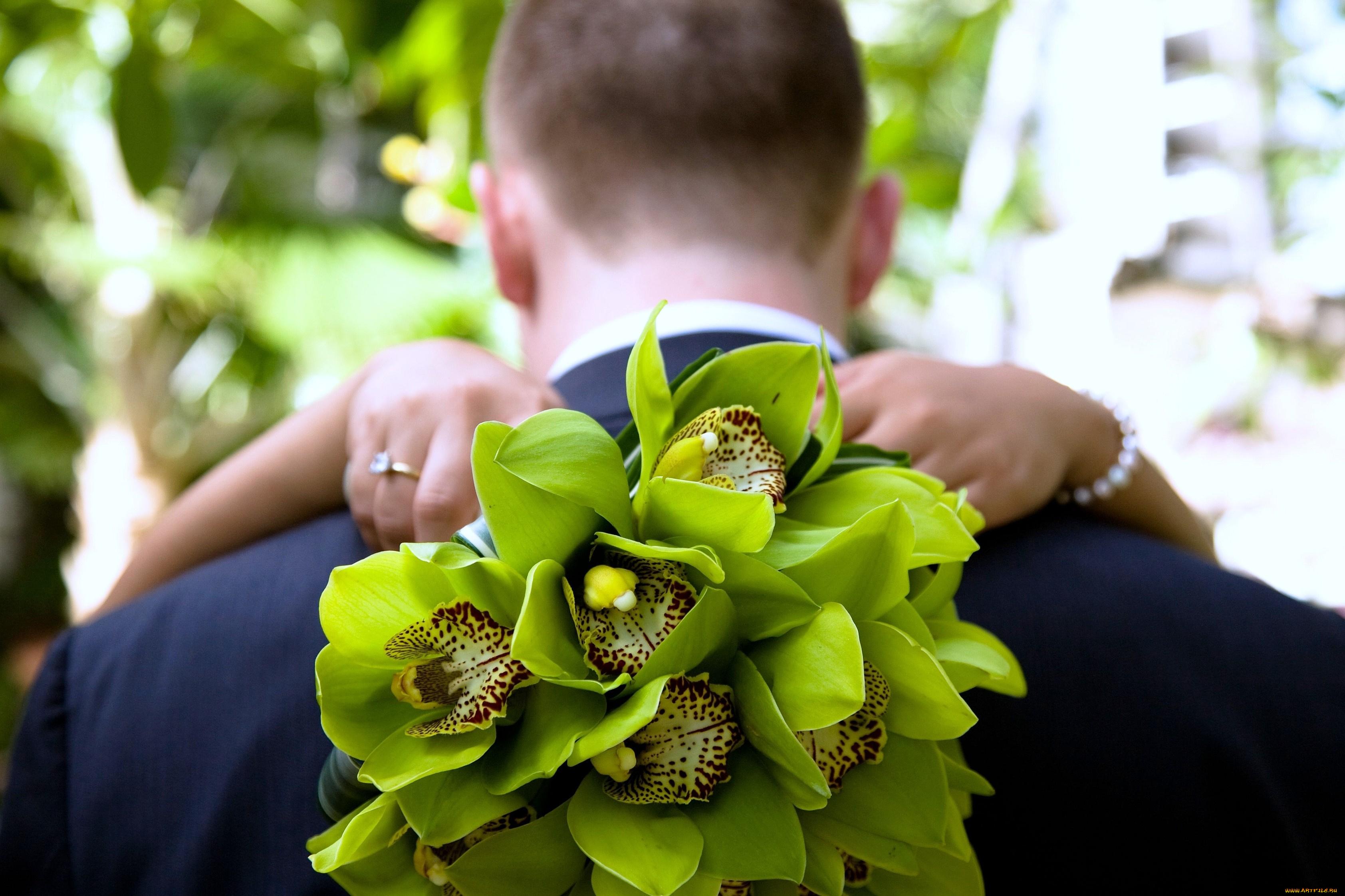 Букет, букет невесты зеленые орхидеи и розы