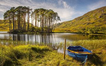 обоя корабли, лодки,  шлюпки, лодка, шотландия, осень, озеро, деревья, трава