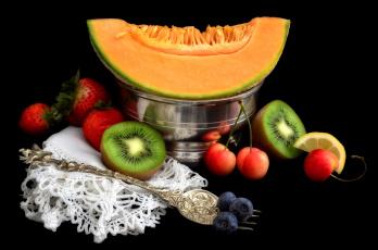 Картинка еда фрукты+и+овощи+вместе киви клубника дыня черешня голубика