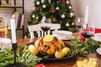 обоя еда, мясные блюда, бокалы, праздник, запеченная, курица, картофель, вино