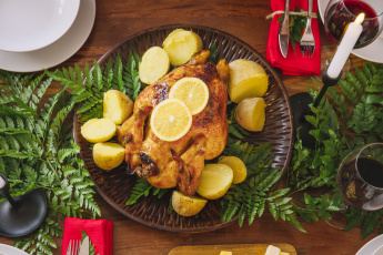 обоя еда, мясные блюда, запеченная, курица, вино, бокалы, праздник, картофель