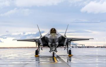 обоя lockheed martin f-35 lightning, авиация, боевые самолёты, истребитель