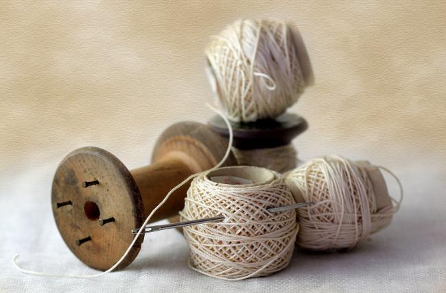 Иголки нитки рукоделие