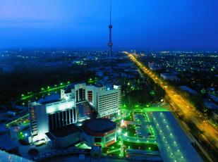обоя города, ташкент , узбекистан, вид, на, ташкент, и, ташкентскую, телебашню, в, сумерках