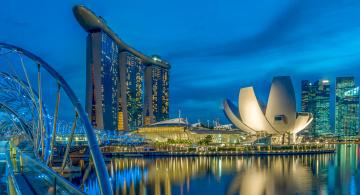 обоя города, сингапур , сингапур, отель, дома, ночь, мост, огни