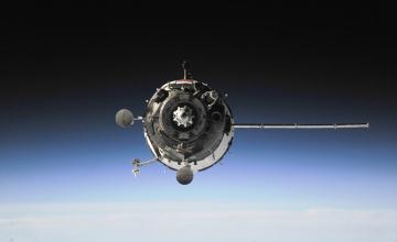 обоя космос, космические корабли,  космические станции, атмосфера, полет, союз