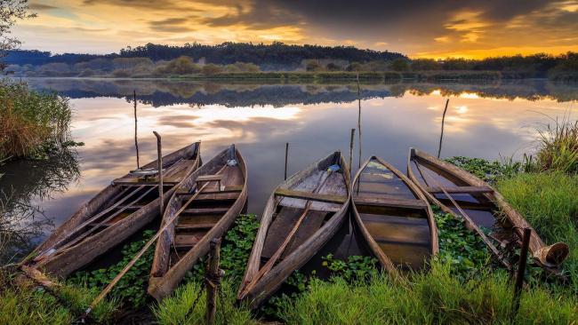 Обои картинки фото корабли, лодки,  шлюпки, ферментелуш, pateira, озеро, португалия