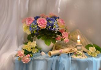 обоя цветы, букеты, композиции, весна, март, ноты, розы, свеча, стихи, фото, натюрморт