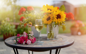 обоя еда, напитки, шампанское, бокал, букеты, цветы, стол