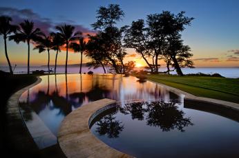Картинка интерьер бассейны +открытые+площадки силуэты пальмы деревья отражения облака штат гавайи сша остров небо вода бассейн закат wailea мауи