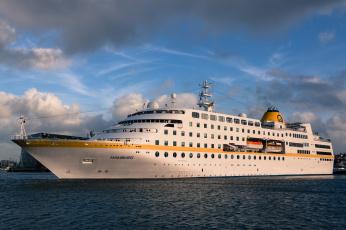 обоя ms hamburg - reykjavik, корабли, лайнеры, лайнер, круиз