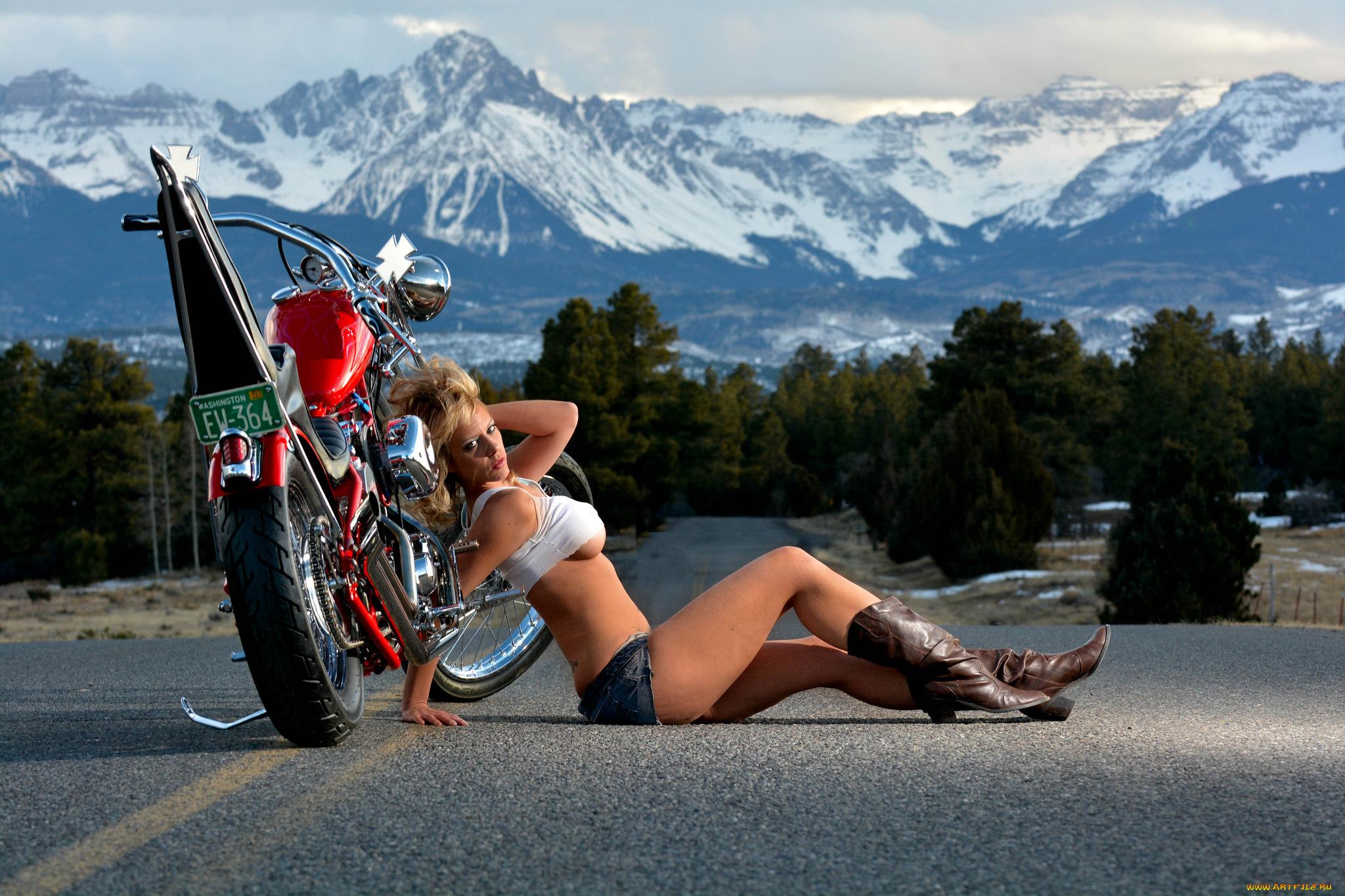 Девушка мотоцикл дорога скачать