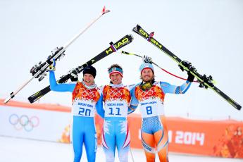 обоя спорт, лыжный спорт, сочи, спортсмены, горнолыжники, лыжи, радость, тройка, снег, олимпиада