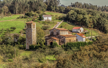обоя испания, города, - здания,  дома, деревья, трава, здания