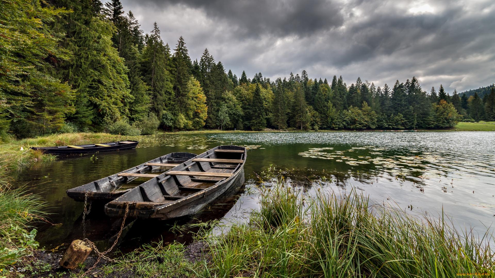 лодка на озере без смс