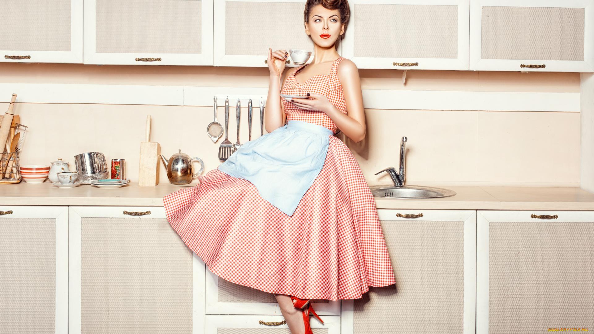 фото женщина на кухне