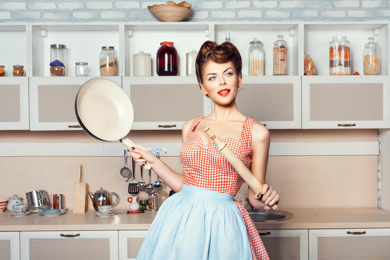 Картинки женщина на кухне, день рождения