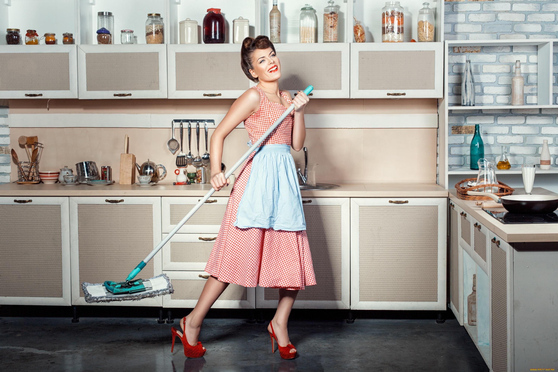 Картинки женщина на кухне