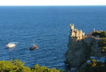 замок у моря скачать