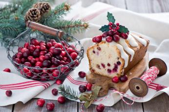 Картинка праздничные угощения клюква шпагат ягоды катюшка шишки натюрморт кекс