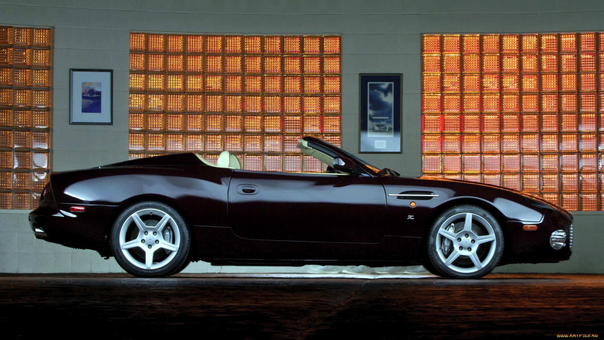 черный автомобиль aston martin ar1  № 224411 без смс