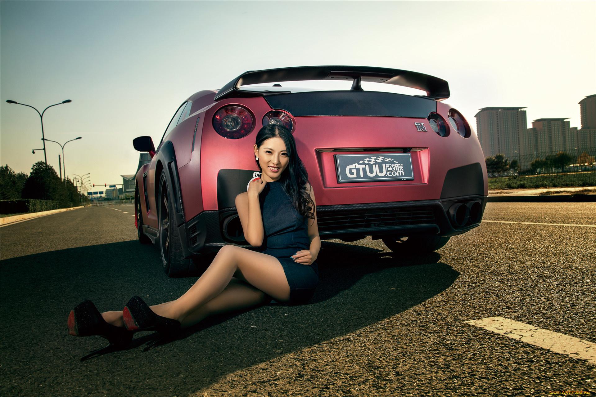 Фото авто девки, Сексуальные девушки и автомобили 17 фотография