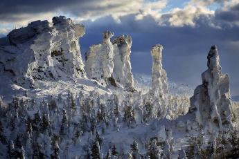обоя природа, зима, деревья, скалы, снег